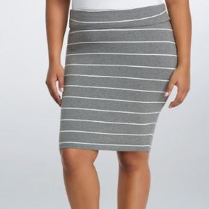TORRID - STRIPED FOLDOVER MIDI SKIRT - 4X